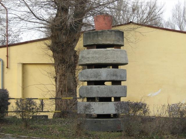 Zajimavy monument