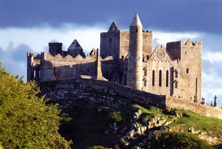 Visiting the Rock of Cashel - Ireland Family Vacations