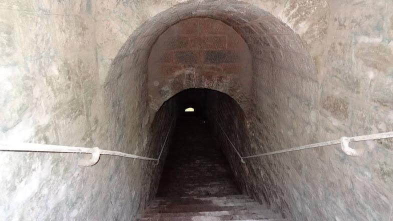 Escalier dans le tunnel