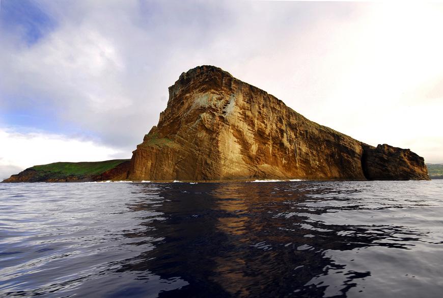 http://siaram.azores.gov.pt/zonas-costeiras/ilheu-cabras/galeria/imagens/4.jpg