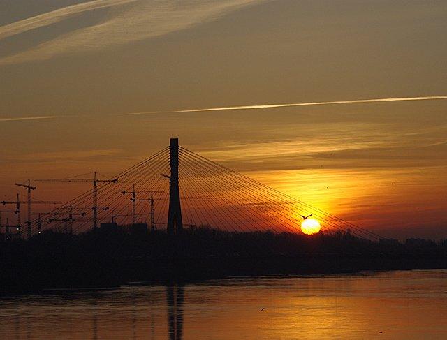Wschód słońca. http://www.garnek.pl/maria/7929850/dzisiejszy-wschod-slonca-w