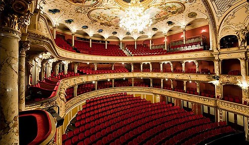 Opernhaus innen