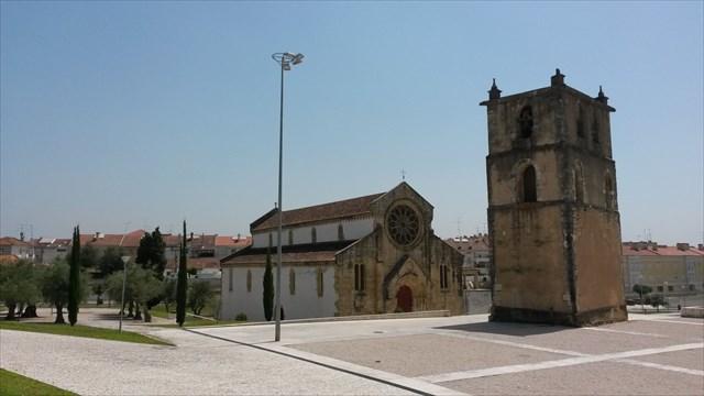 Igreja de Santa Maria do Olival e a Torre