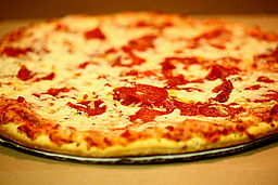 Cheese and Pepperoni Pizza (4825046245)