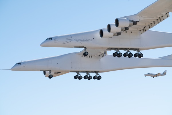 Stratolaunch in flight
