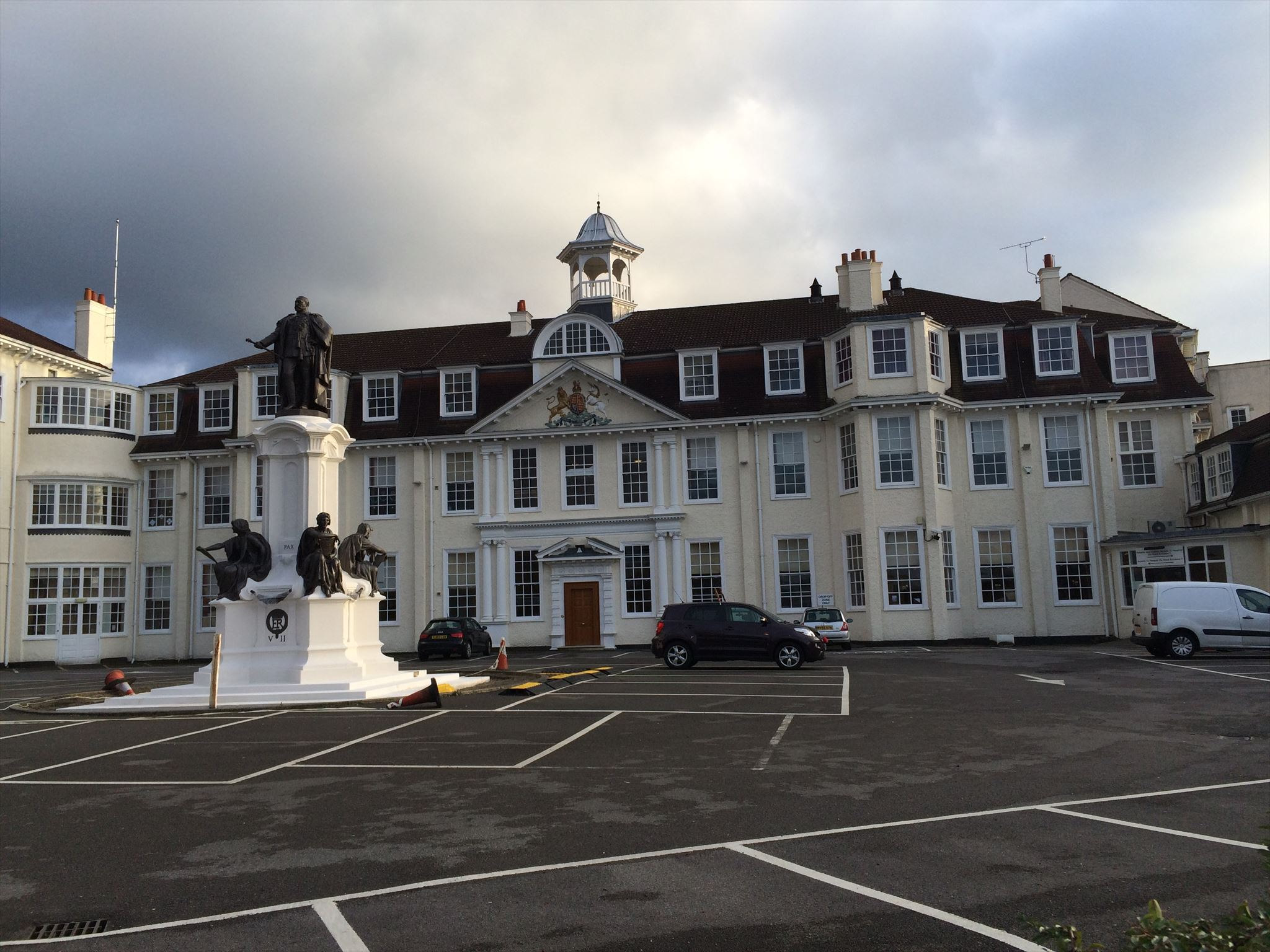 King Edward VII Hospital